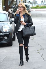 ashley-benson-casual-style-out-in-los-angeles-march-2014_1